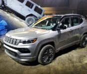 2022 Jeep Compass Auto Red Automatic Grand Cost Image