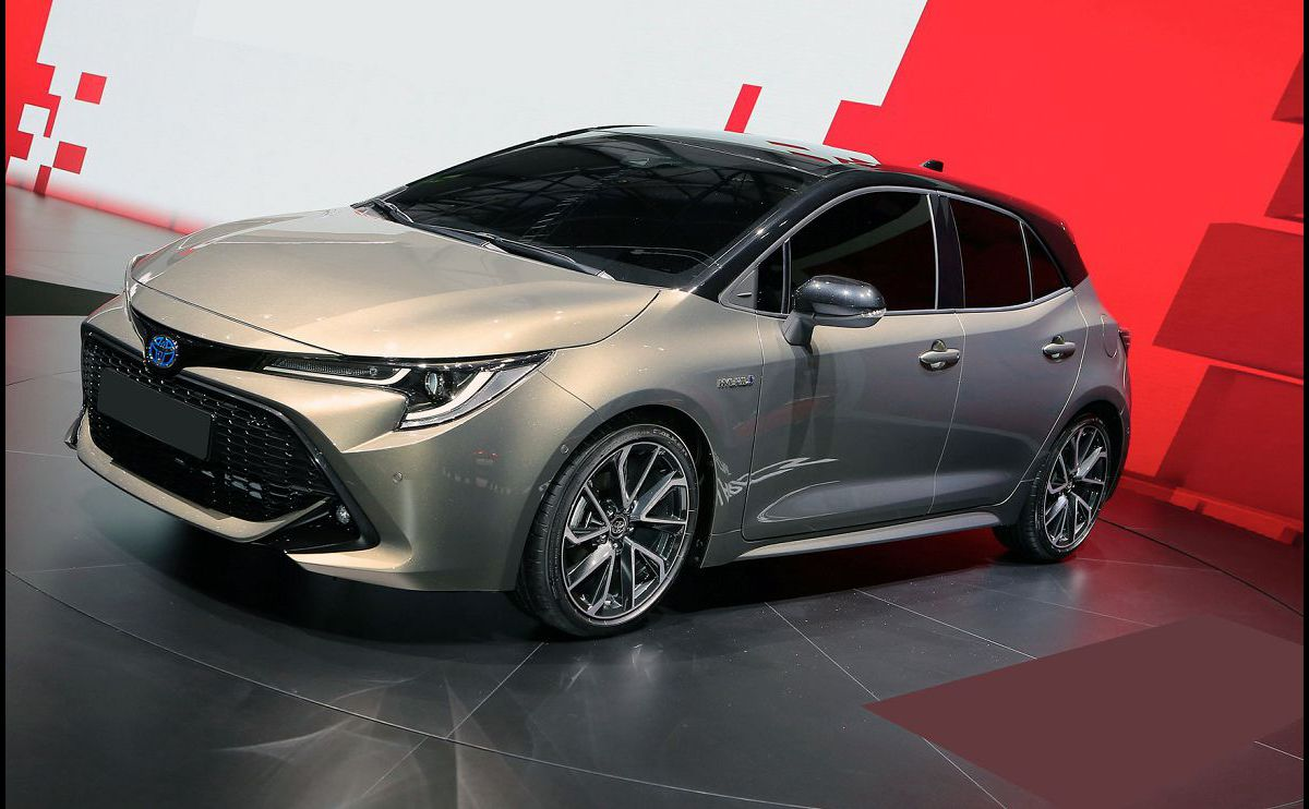 2022 Toyota Auris Carplay Verso 2000 By Owner